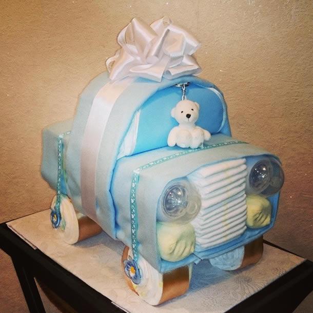 bolo-de-fraldas-azul-carrinho