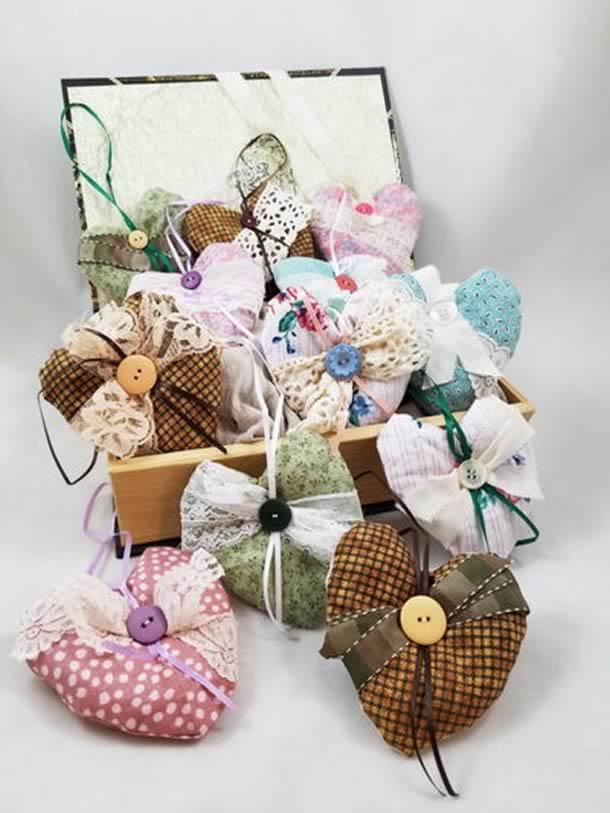artesanatos-faceis-coracoes-tecido