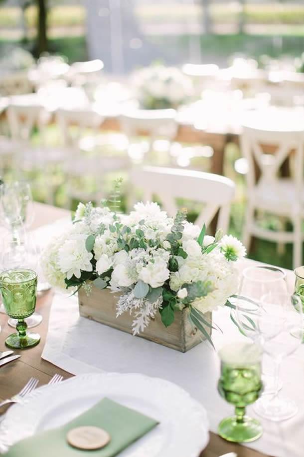 centro-de-mesa-para-casamento-caixa-madeira