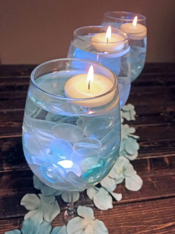 centro-de-mesa-para-casamento-tacas-azul