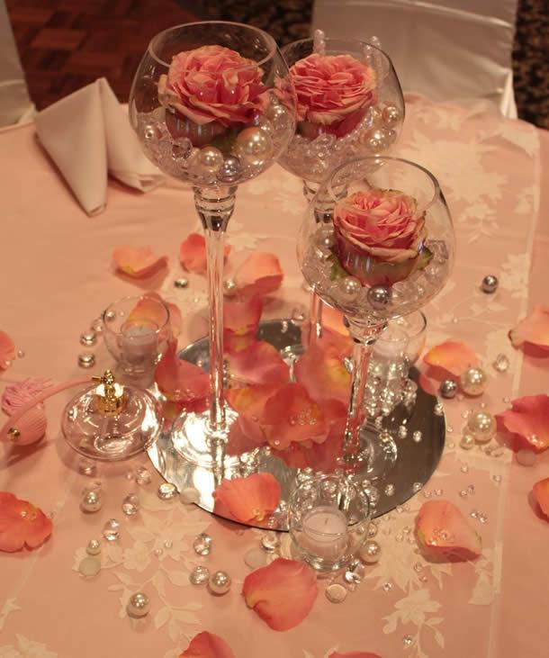 centro-de-mesa-para-casamento-tacas-perolas