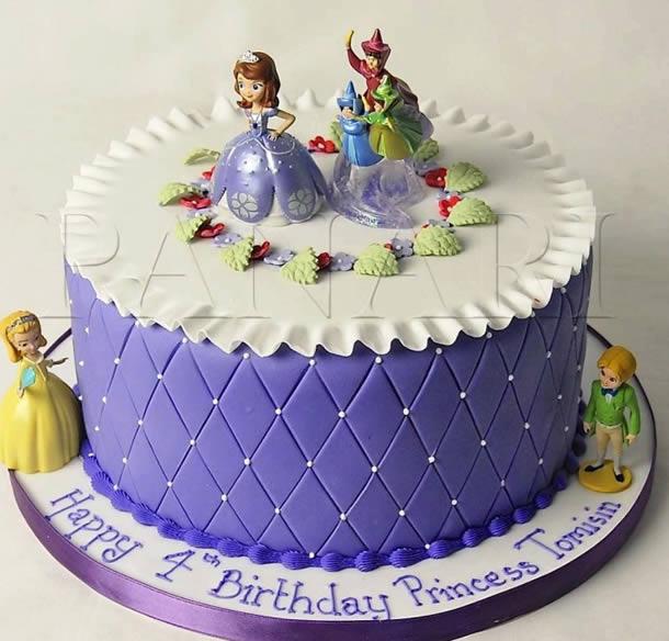 bolo-da-princesa-sofia-decorado-bordado