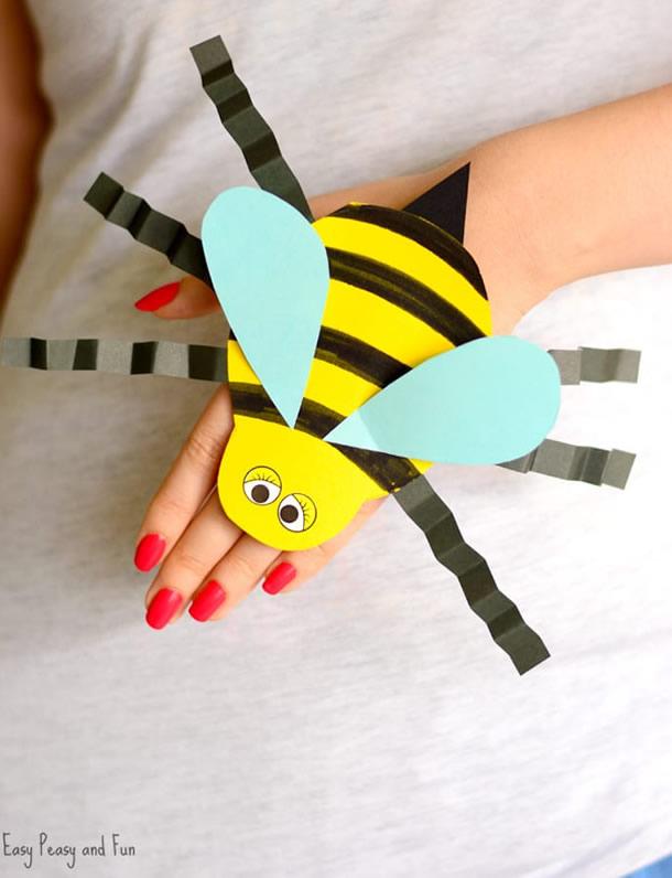 animais-de-papel-abelha-mao