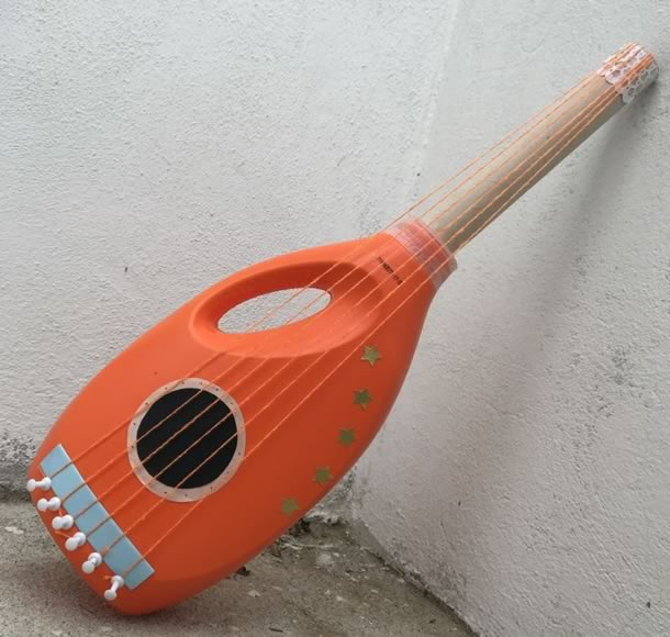 artesanato-com-garrafas-de-amaciante-instrumento