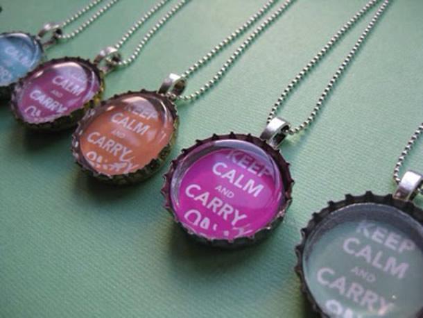 artesanatos-com-tampinhas-colares