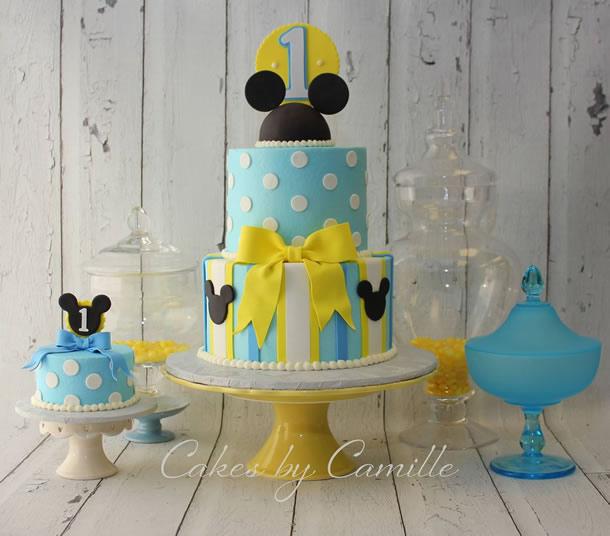 bolo-do-mickey-azul-amarelo