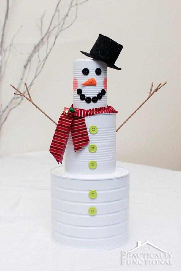 decoracao-de-natal-simples-boneco-latas