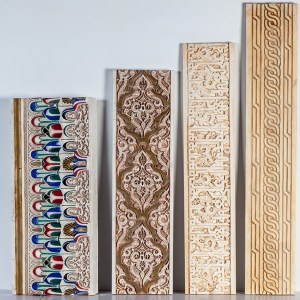 moldura árabe y frisos pintados