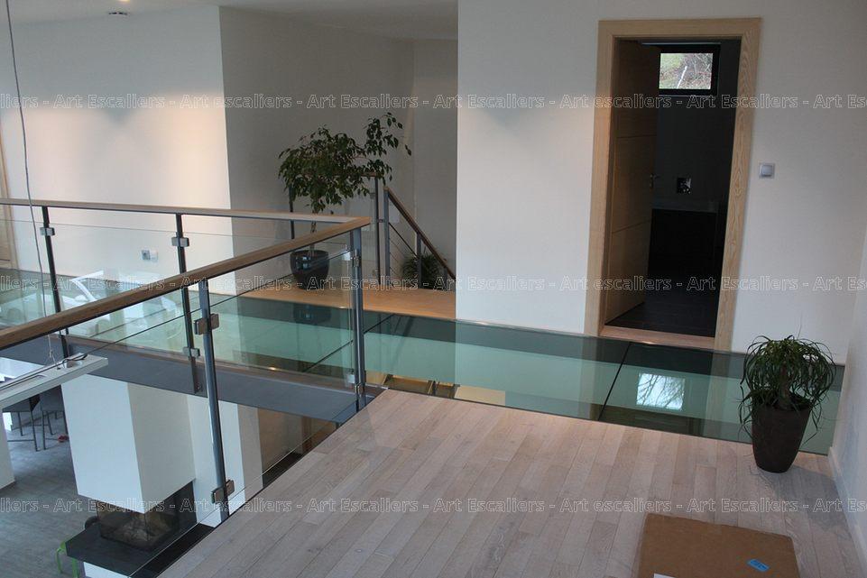 PASSERELLE en verre en bois en mtal  Art Escaliers