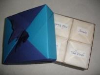 Os pacotes de sachês de diferentes chás