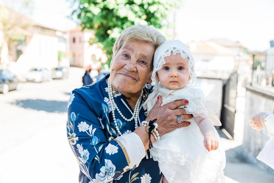 bebe com a avó