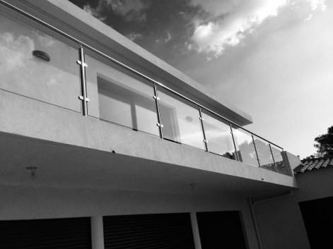 garde corps aluminium et verre extérieur balcon