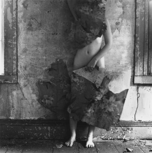 Francesca Woodman, talento e sensibilità al servizio della fotografia
