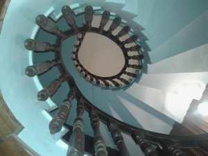Miguel Farse: escalera en casa particular (baranda en caracol)