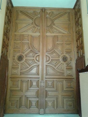 Miguel Farse: portón de entrada de la Iglesia de Nuestro Padre Jesús Nazareno de La Algaba