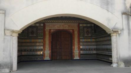 Puerta de acceso a la zona de legos. Monasterio de la Cartuja