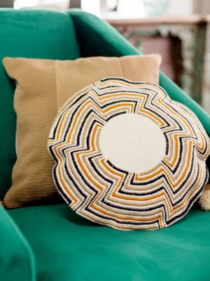 Arte y Tejido, Cojín Madurai, Madurai Cushion, Chorrera, Cojín, Cushion, Tejido, Knitted, Crochet, Natural Fibers, Algodón, Cotton, Fibras Naturales, Madurai