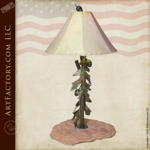 oak leaf themed table lamp