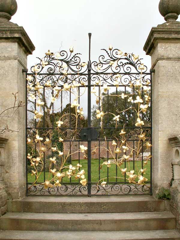 Garden Gate - Woodburn Abby 13th Cen England - GG317