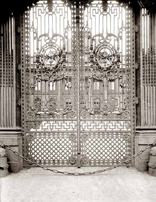 Custom Gate Doors Palais de Justice 1256CGJ
