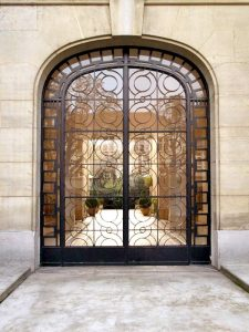 Iron Gate - Designed From Antiquity -  HIG555