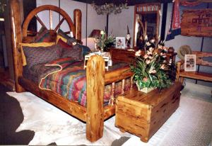 King Bed - Old Western Wagon Wheel Bed  - CBBS621