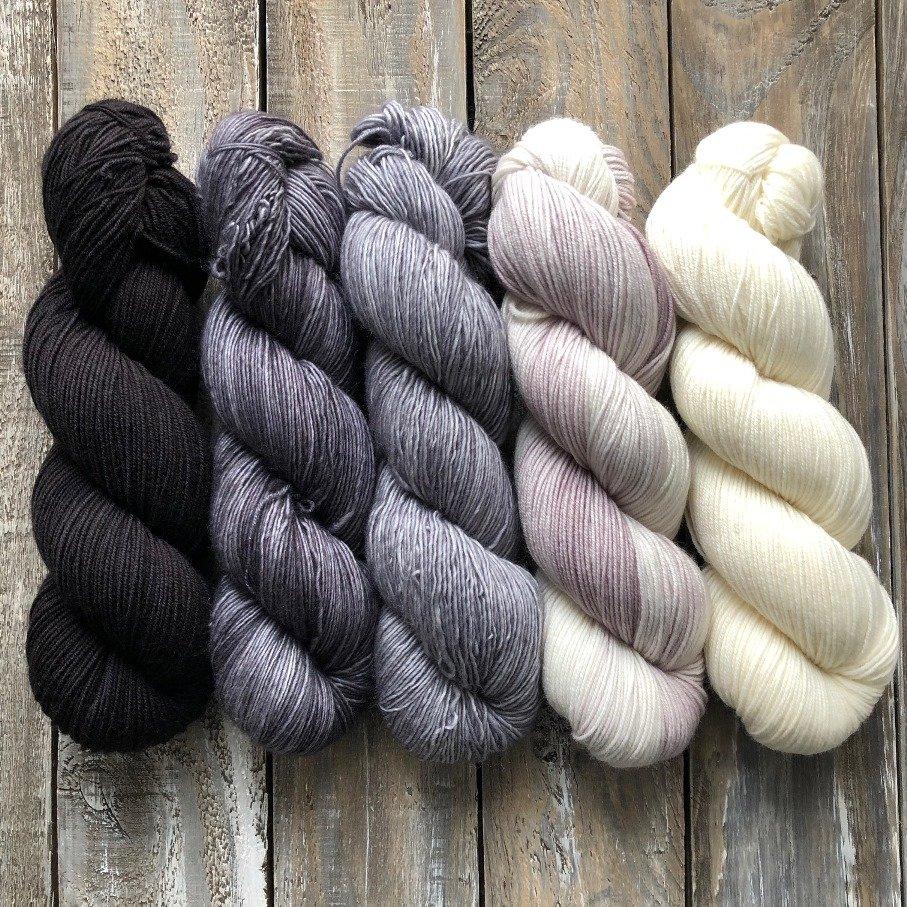 Fading Yarn Set – Monochromatic