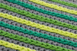 Improve your skills of stranded knitting with some handy methods