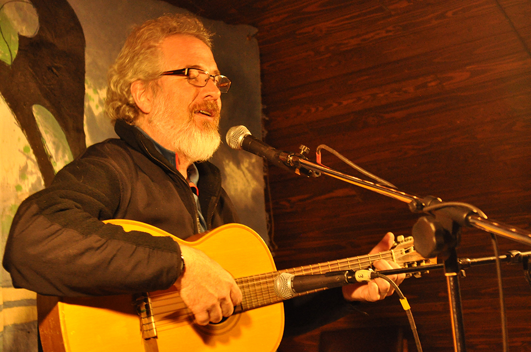 Glenn singing at the Coffeehouse