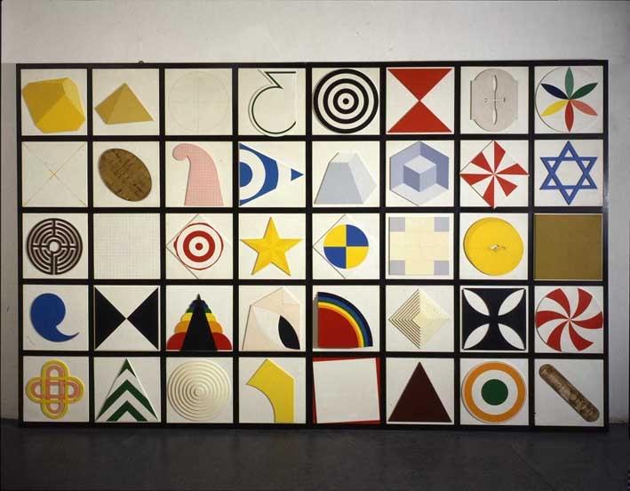 Lucio-Del-Pezzo-Casellario-40-elementi-1974-acrilici-e-collage-su-legno-224-x-350-cm.jpg