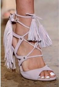 spring_summer_2016_shoe_trends_fringed_shoes (3)
