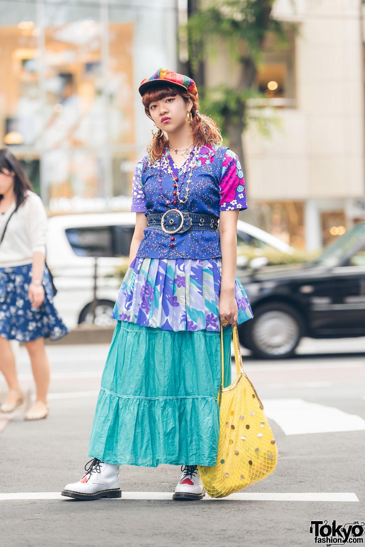 Bergaya Eksentrik Dengan Fashion Vintage Warna Warni