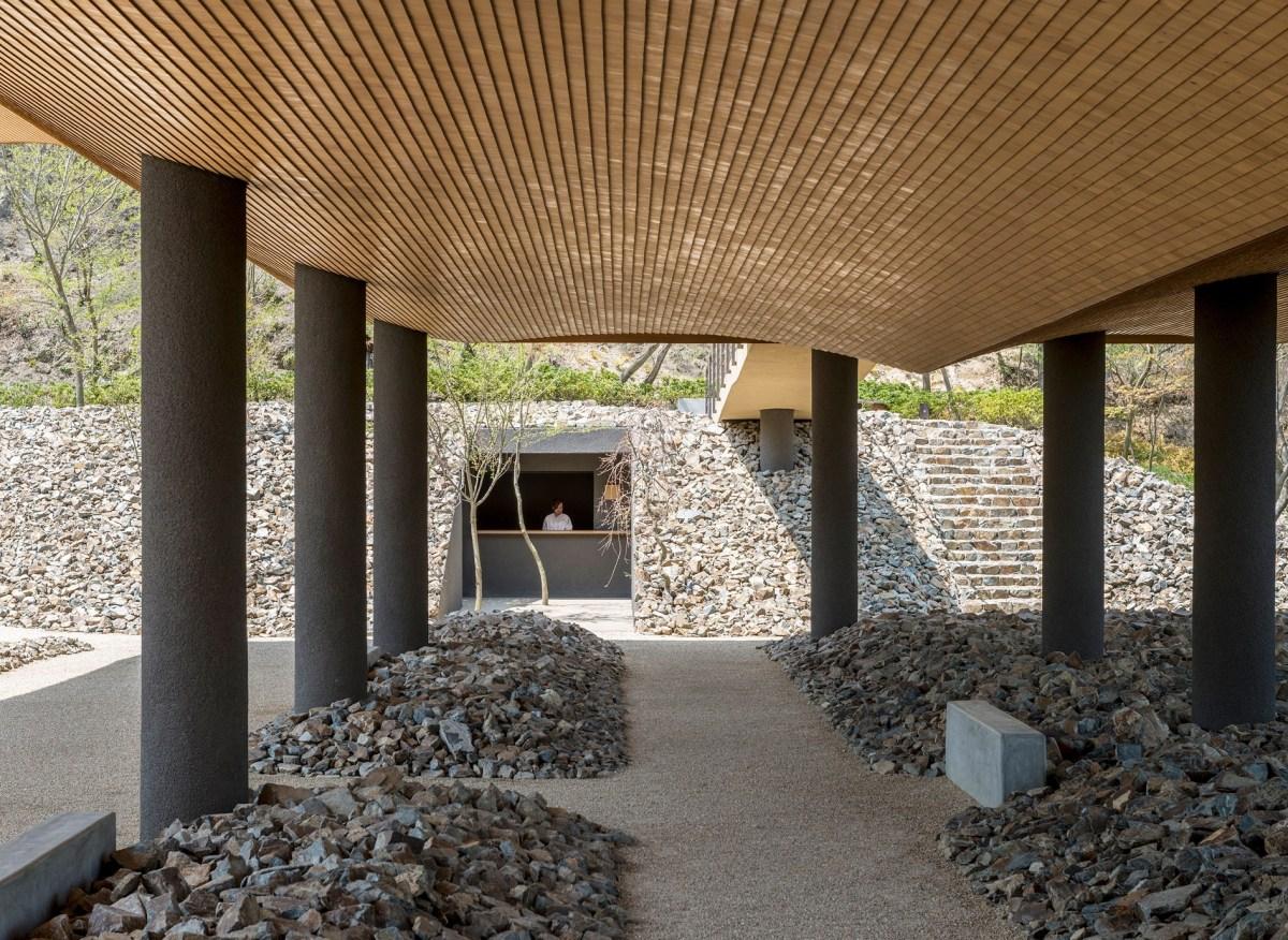 Studio Seni Sandwich Ciptakan Bangunan Paviliun Dengan Bentuk Unik