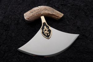 Ulu Knife. George Roberts, Bandit Blades. Used with permission. All rights reserved.