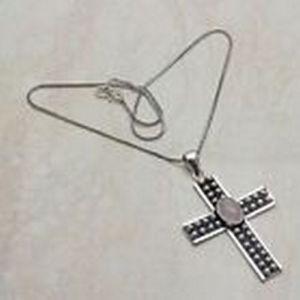 Pendant – Cross with Rose Quartz Stones