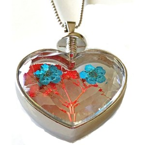 Pendant – Heart-Shaped Glass with Real Flowers
