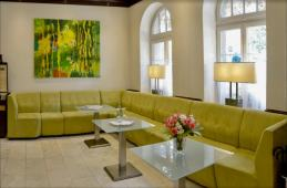 Giving character to the hotel lounge