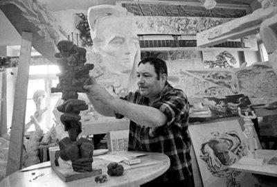 На 92-му році життя відійшов у засвіти скульптор Ернст Неізвєстний