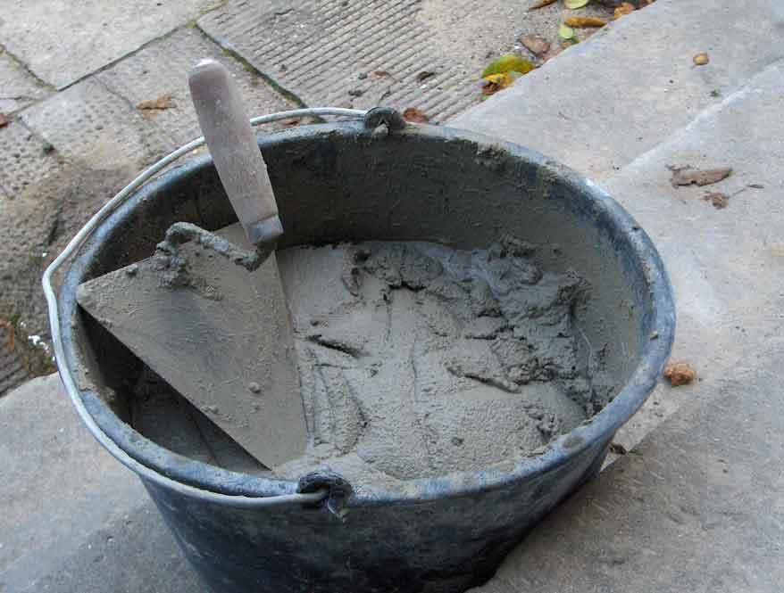 Membuat adukan beton sendiri