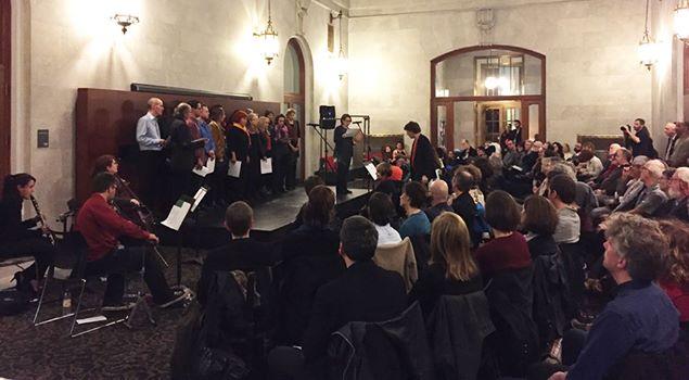 Photographie du spectacle d'anniversaire Source: Page Facebook des éditions du Noroît