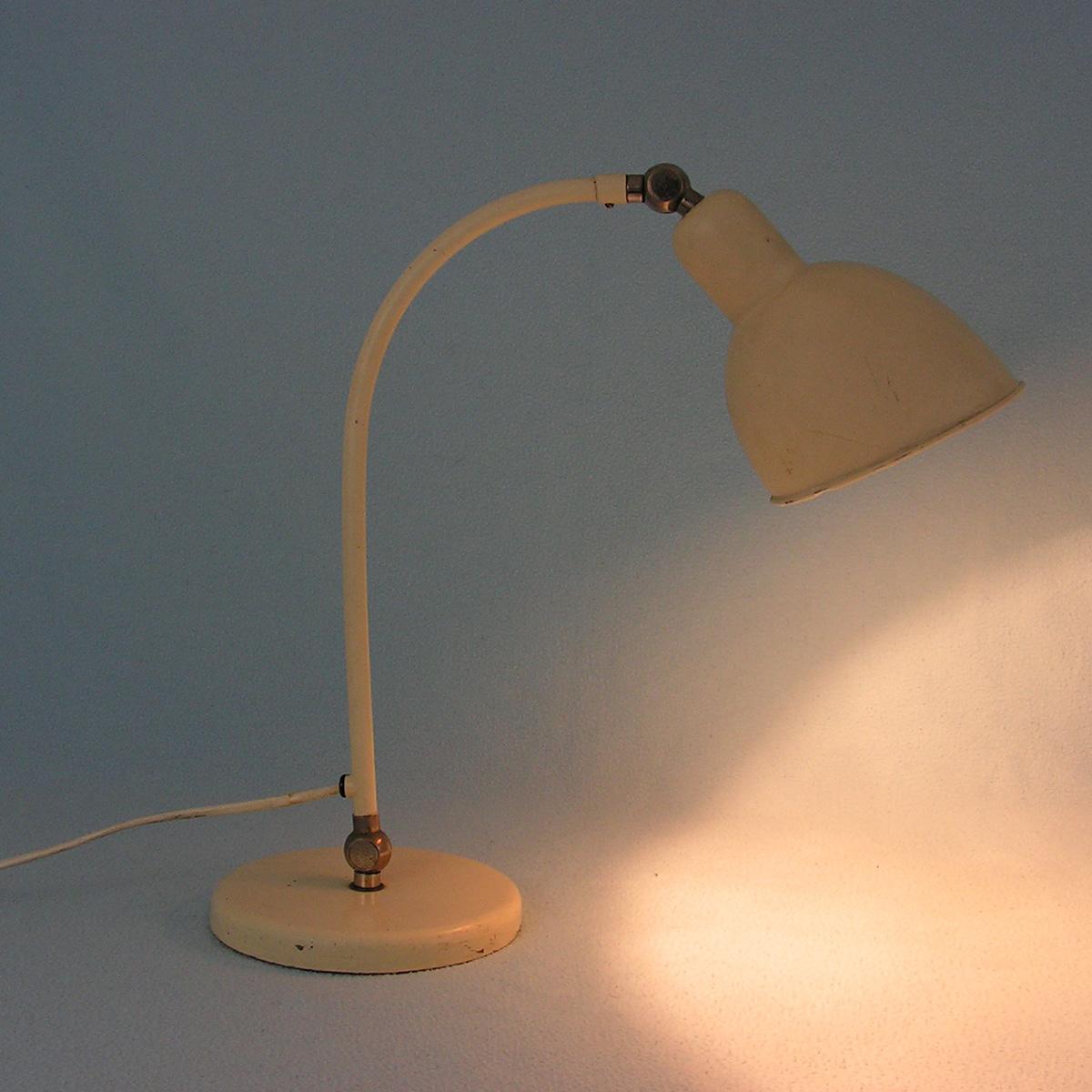 belmag-swiss-design-desk-lamp