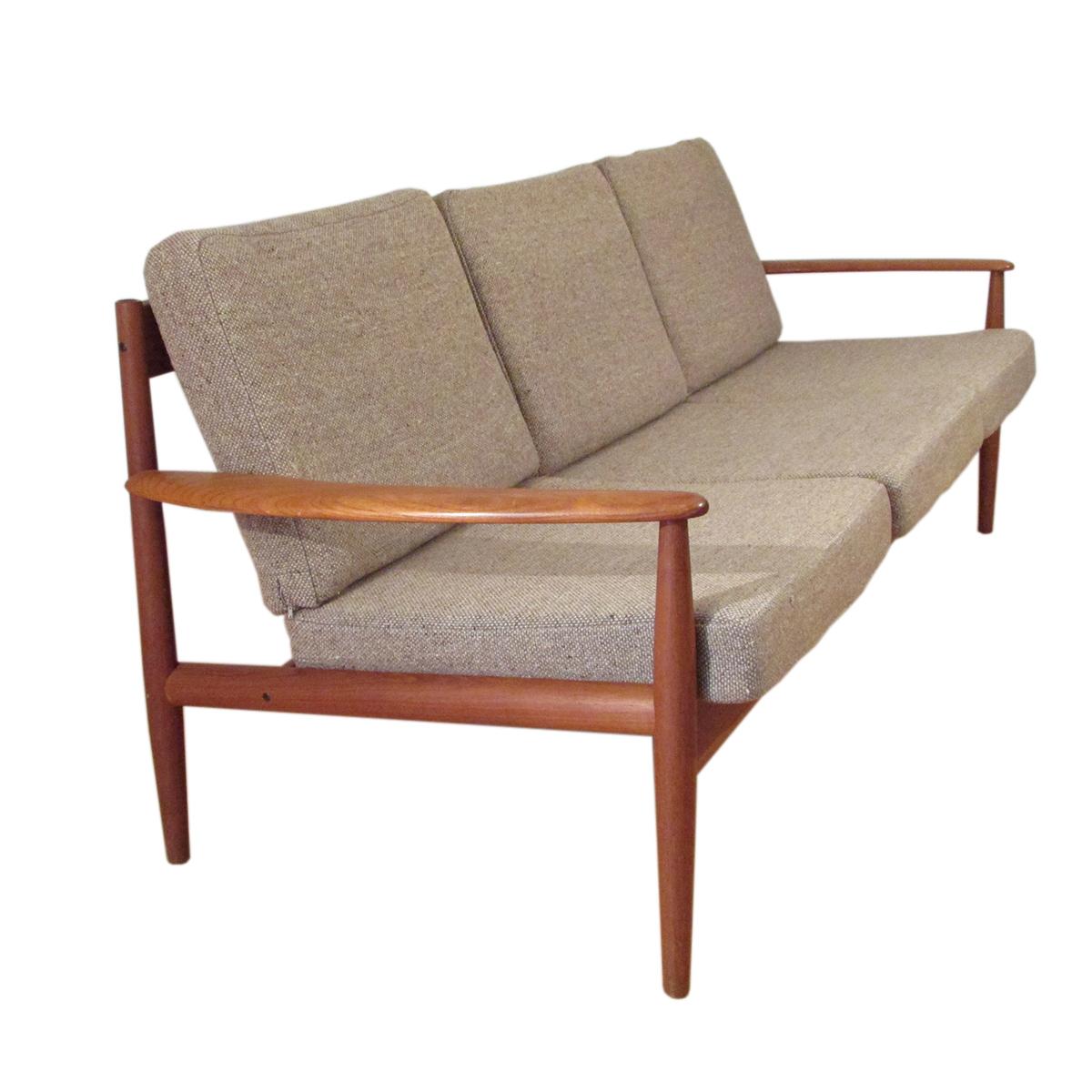 mid-century-modern-sofa-teak-jalk