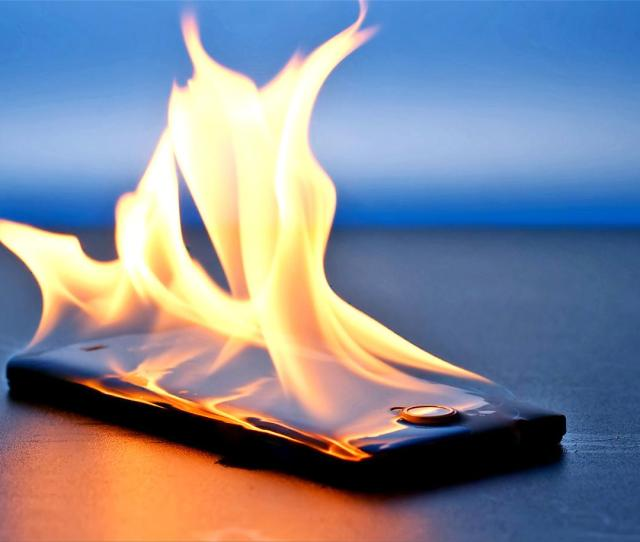 Nanomaterial Can Protect Electronics From Major Heat For Later Phone On Fire Nanocomposite Concept