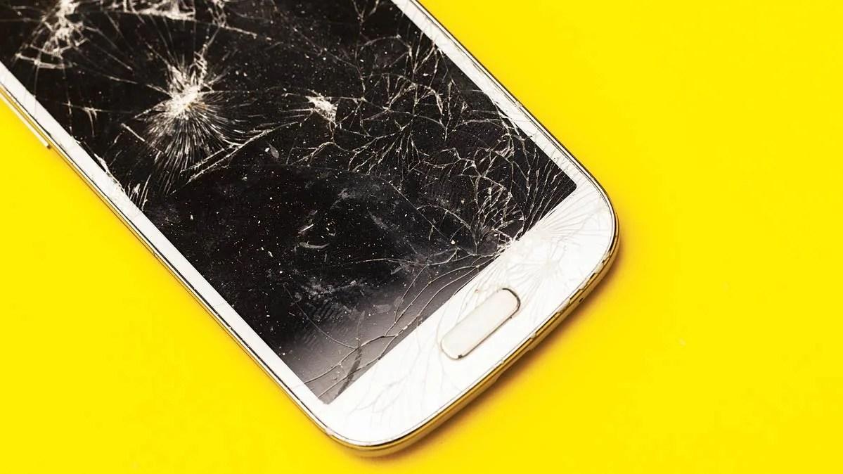 is smartphone insurance worth