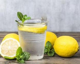 lemon water in Summer