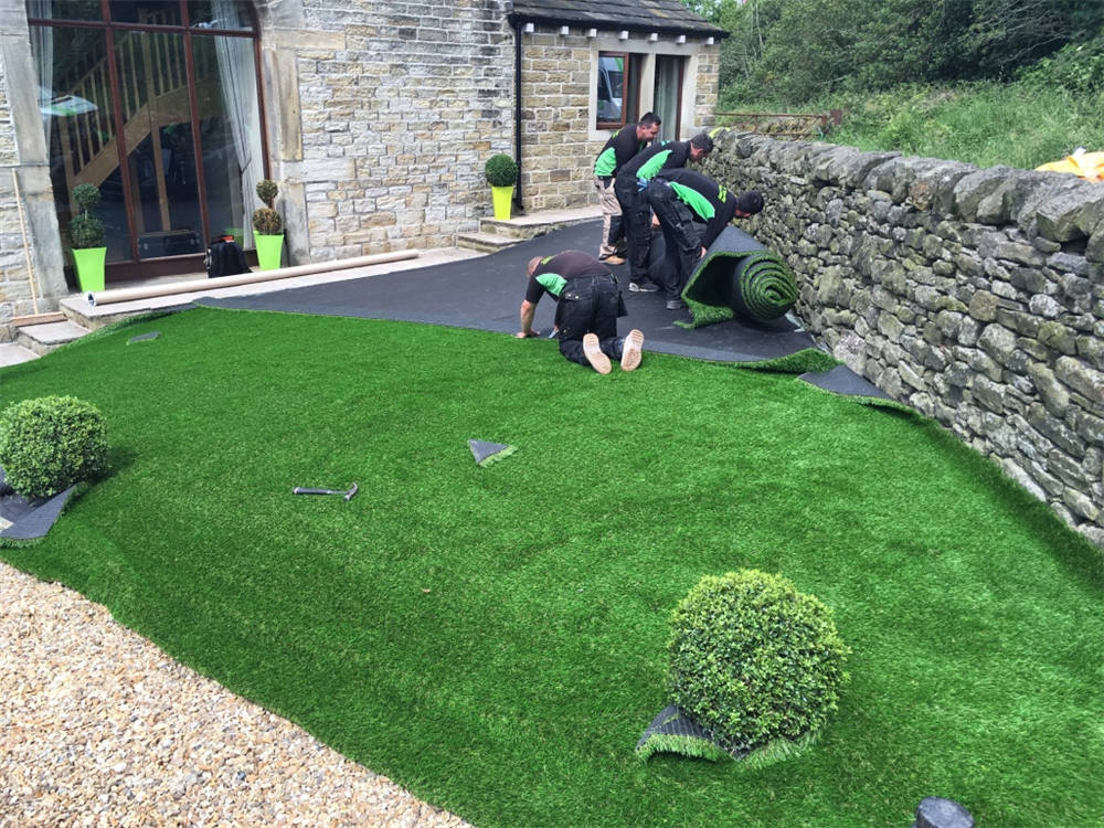 Synthetic Grass Cost Diy Vs Professional Installation Buy Install And Maintain Artificial Grass