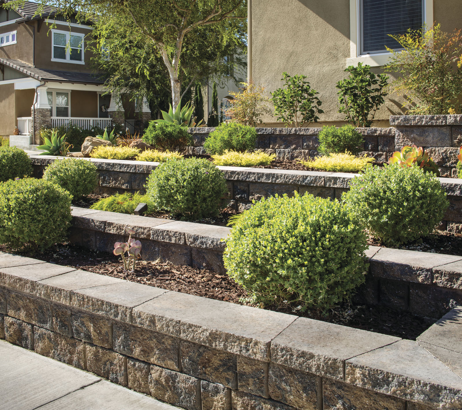 20 Retaining Wall Ideas to Upgrade Your Backyard   Buy, Install ...