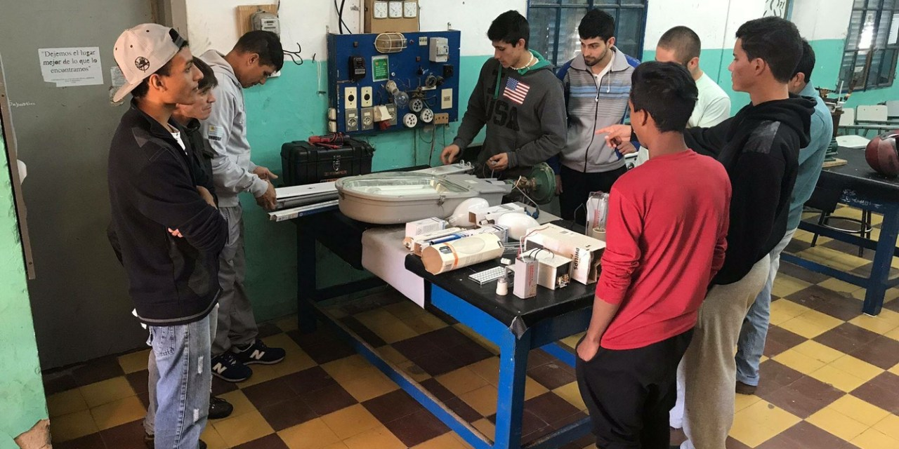 Alumnos de Utu Artigas participan del concurso de eficiencia energética organizado por el MIEM
