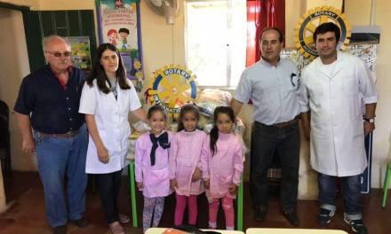 Rotary entregó 15 canastas de alimentos a la Escuela 46