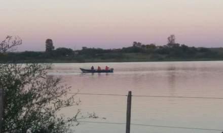 Bomberos de Quarai y Artigas buscan intensamente a un adolescente que desapareció en aguas de represa brasileña